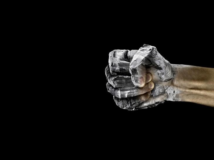 hands-fist_00337171